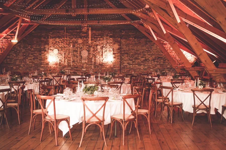 Die beste Hochzeitslocation in der alten Scheune im Gut Thurnsberg