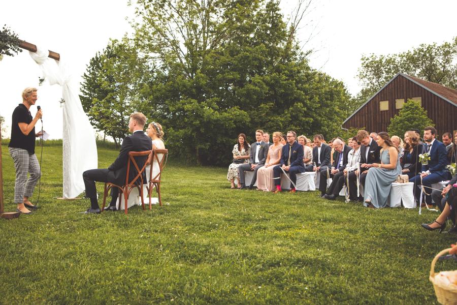 Hochzeitszeremonie im Freien