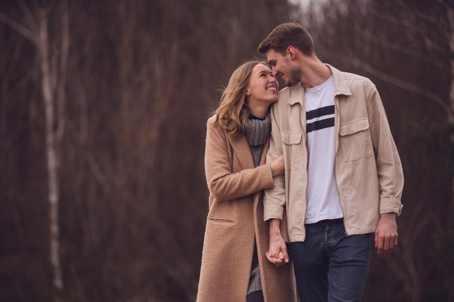 Verliebtes Paar beim Fotoshooting in München